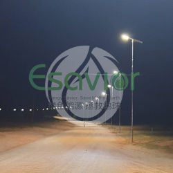 TUV ISO 5 ans de garantie LED intégrée de la rue de la lampe témoin d'énergie solaire pour le gouvernement de l'éclairage de route du projet