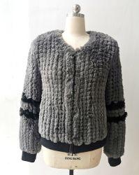 여자의 형식 가짜 모피 소매에 줄무늬를 가진 Handmade 겨울 재킷