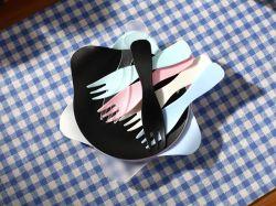 스플래터 전자레인지 흡입 재사용 가능한 투명 라이센스 라운드 푸드 미니 케이크 돔 랙클과 함께 제공되는 포용 키트 펜더 가드 측면 플레이트 플라스틱 덮개