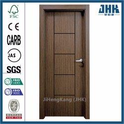El esqueleto exterior simple Prehung decorativo interior a ras de la puerta de madera