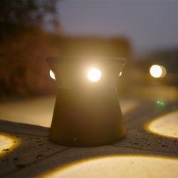 Bas du trou de la colonne quatre LED Lampe jardin Gazon Bollard pôle avec 2 feux directionnels