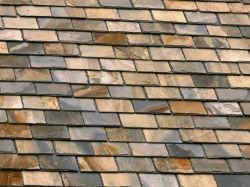 El amarillo de tejas de pizarra oxidada
