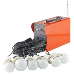 Kits d'éclairage solaire portable hors tension de grille du système d'énergie solaire à la maison avec fonction de la radio et lecteur de carte