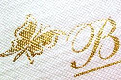 ورق طباعة من الذهب والشمع ورقة معدنية ساخنة مثل تصميم الفراشة الزاهي على جلد البولي يوريثان