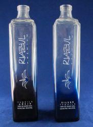 bottiglia blu della vodka del ghiaccio 750ml con su ordine