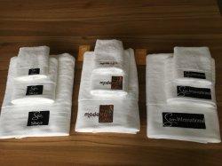 昇進の工場卸売のよい価格によって刺繍されるテリータオルセット