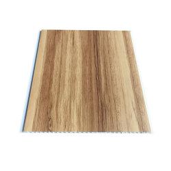 중국 공급업체 나무 그레인 PVC 플라스틱 지붕 타일 내부 장식 천장에 있는 벽면 패널 보드
