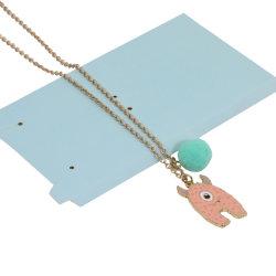 Una cartacon encanto Pompom Necklace
