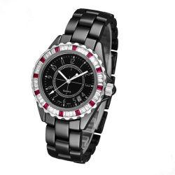 De zwarte Ceramische Band van het Horloge met het Kristal van de Saffier