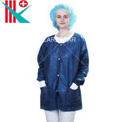 Commerce de gros vêtements anti-poussière Non-Woven jetables PP PE de l'isolement non tissé une blouse Blouse de laboratoire étanche