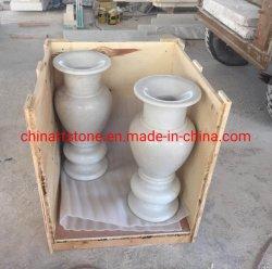 Vaso di fiore su Polished del marmo di bianco cinese