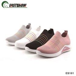Fabricante china de la inyección Flyknit transpirable informal y zapatos deportivos para el hombre y dama