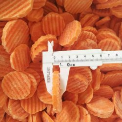 언 IQF 야채는 당근을 깎뚝썰거나 잘라내거나 분리한다
