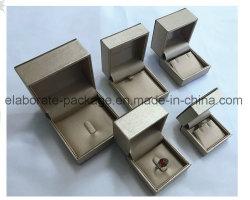 Fashionalble en de Mooie totaal Verpakte Plastic Doos van de juwelen van het Leer van Pu/de Doos van Juwelen