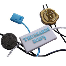 カスタム小売りの宝石類の金属の振動アルミ合金のシールのこつの札および衣服のアクセサリ(800001)