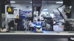 اجتماع آليّة كلّيّا وإنتاج آلة [ألّ-ين-ون]