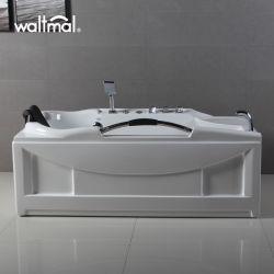 غرفة عصرية عادية الشكل مزودة بأحواض استحمام ودوامات تدليك وحمام أكريليك