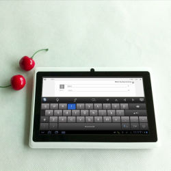 WiFiおよびDual Camera Q88の7インチのCheapest Tabletのパソコン