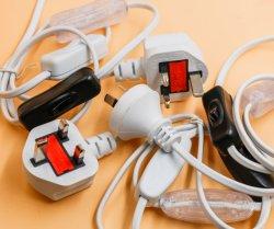 UK fusionnées ensemble câble à fiche mâle 3 broches avec cordon et douille de l'interrupteur pour British