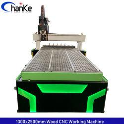 Ck1325 3D hölzerner Ausschnitt-Stich, der CNC-Fräser-Maschine mit Schwingen-Kopf-und ATC-Zwischenlage schnitzt