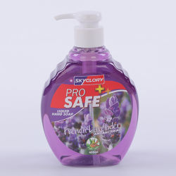 泡立つポンプを搭載する手の洗浄液体びん