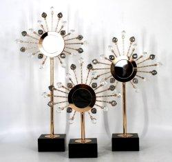 Einfache und großzügige Form-Entwurfs-Ausgangsluxuxzubehör-Kristallform-Skulptur-Metalltischplatte-Dekor