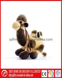 Los niños hechos a mano de los animales de juguete bebé suave de camello