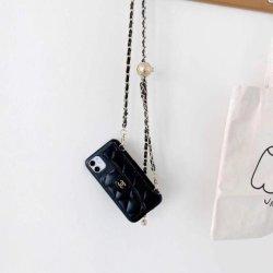 لهاتف iPhone 12 12 PRO Luxury Brand Leather Phone غطاء حقيبة مع حزام حقيبة ملحقات الهاتف لمصمم الأزياء
