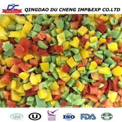 Um grau de vegetais congelados pimenta verde cortada em cubos