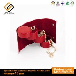 Faire pivoter le rouleau de bijoux cuir synthétique rouge Bijoux de voyage portable cas