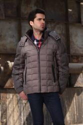 Осенью и зимой мужчин вниз нанесите на двойной стиле моды повседневный пиджак колпачковая одежды