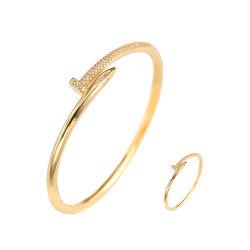 Form und einfache Dubai-Tricolour Goldarmbänder