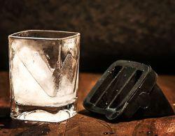 2021 Neu Gestaltete Clear Square Trinkglas Tasse Whiskey Gläser Whisky-Becher mit Eisform