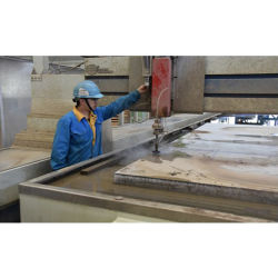 Servizio di taglio a getto d'acqua per parti in acciaio inox