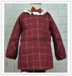女の子の服セットのために着ている秋の冬のウールの服の子供