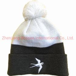 OEM 맞춤형 로고 자수 블랙 화이트 아크릴 니트 비니 스노보드 스키 캠핑 겨울 폼팜 비니 모자