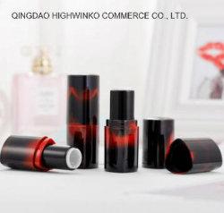 Le persillage de haute qualité triangle rouge à lèvres Tube en plastique