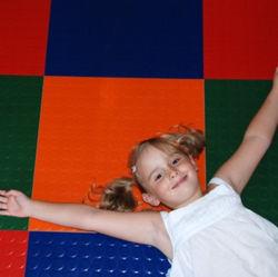 Un revêtement de sol en caoutchouc de terrain de jeu/enfants Revêtement de sol en caoutchouc/tapis de sol anti-dérapant
