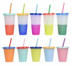 Conception unique Multi le changement de couleur paille en plastique tasse boissons étudiant bouteille d'eau froide de décoloration tasse avec boîte de package