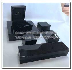 木箱を包む実質の木製の黒檀の宝石類のパッキングギフト