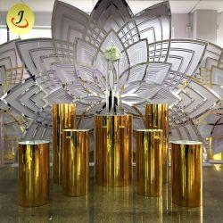 Golden allée rondes en acier inoxydable de mariage est fixé les peuplements de fleurs Décoration de luxe