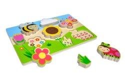 유럽 아기는 땅딸막한 나무로 되는 정원 수수께끼 아이들 장난감을