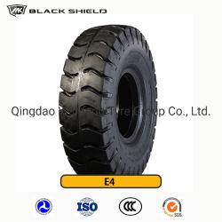 E4ポートのタイヤ、黒い盾OTRのタイヤ