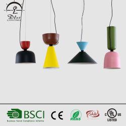 2017 Nouvelle conception Café Vin Two-Color entonnoir lampe eclairage de la poignée en aluminium