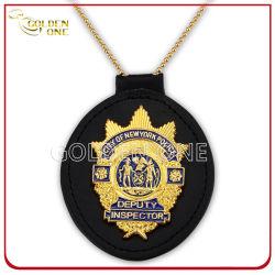 Chapado en oro personalizado insignia de la seguridad de la policía de metal con funda de cuero