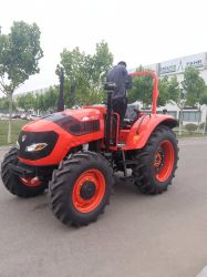 I trattori agricoli prodotti fabbrica 60HP-210HP dell'azienda agricola Deutz-Fahrenheit installano gli strumenti agricoli