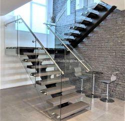 現代内部のまっすぐなモノラル縦桁の純木の踏面階段ガラス柵のステンレス鋼の手すり