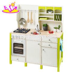 Nuevo diseño de juguetes educativos de los niños desempeñar el papel de cocina de madera con accesorios W10c280