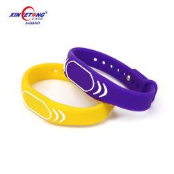 Kundenspezifischer der Fertigkeit-F08 SilikonWristband Chipwristbands-der Doppelschnittstellen-RFID NFC