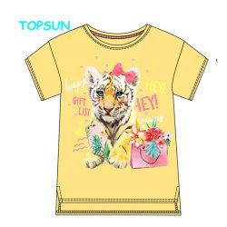 OEMの新生の女の赤ちゃんの衣服は首のTシャツの有機性綿の不足分の袖の子供のTシャツのあたりで印刷した